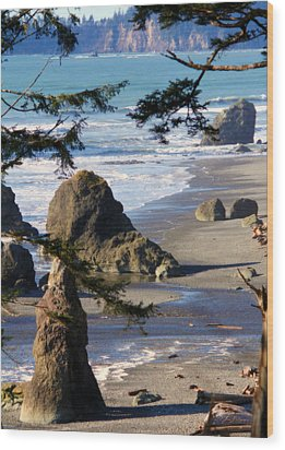Ruby Beach Iv Wood Print by Jeanette C Landstrom