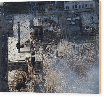Ruins Of The Collapsed World Trade Wood Print by Everett
