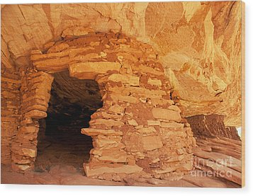 Ruins Structure Wood Print by Bob and Nancy Kendrick