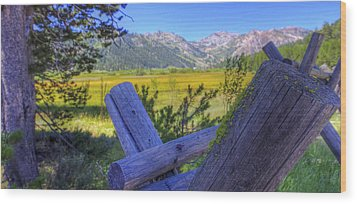 Rustic Moss Covered Pioneer Era Fence In Olympic Valley California Wood Print by Scott McGuire