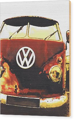 Rusty Bus Wood Print by Sharon Poulton