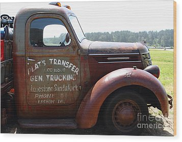 Rusty Old 1935 International Truck . 7d15496 Wood Print by Wingsdomain Art and Photography