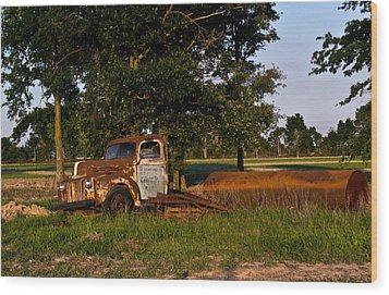 Rusty Truck And Tank Wood Print by Douglas Barnett