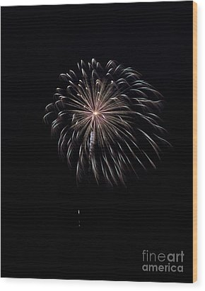 Wood Print featuring the photograph Rvr Fireworks 10 by Mark Dodd