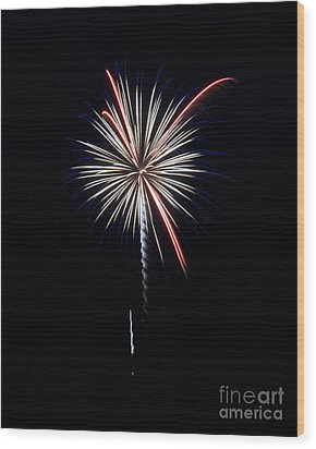 Wood Print featuring the photograph Rvr Fireworks 11 by Mark Dodd