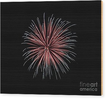 Wood Print featuring the photograph Rvr Fireworks 12 by Mark Dodd