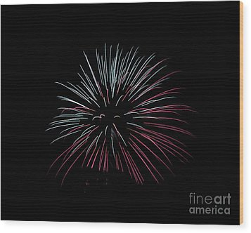 Wood Print featuring the photograph Rvr Fireworks 15 by Mark Dodd