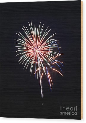 Wood Print featuring the photograph Rvr Fireworks 16 by Mark Dodd