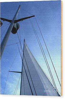 Sailing01 Wood Print
