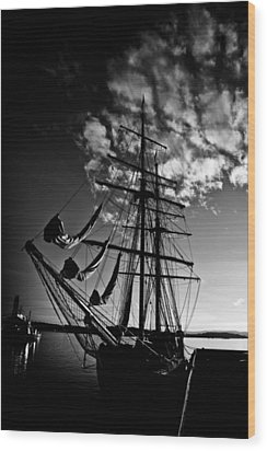 Sails In The Sunset Wood Print by Hakon Soreide