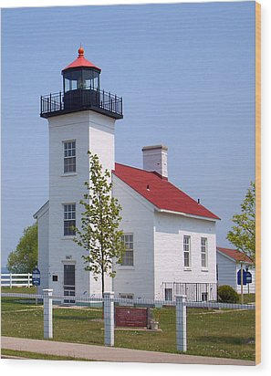 Wood Print featuring the photograph Sand Point Lighthouse In Escanaba Mi by Mark J Seefeldt