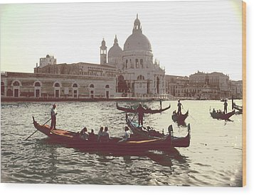 Santa Maria Della Salute Grand Canal Venice Wood Print by Tom Wurl