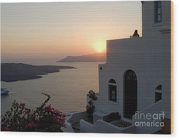 Santorini Sunset Wood Print by Leslie Leda