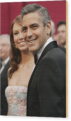 Sarah Larson And George Clooney Wood Print by Everett