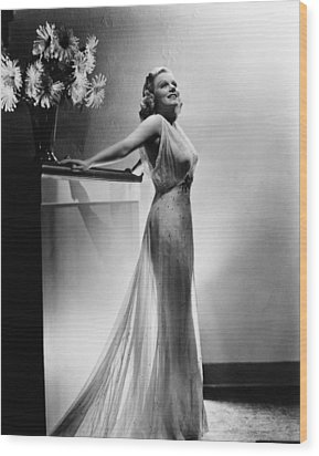 Saratoga, Jean Harlow, In A Gown Wood Print by Everett