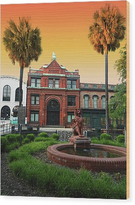 Wood Print featuring the photograph Savannah Cotton Exchange by Paul Mashburn