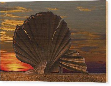 Scallop Sunrise At Aldeburgh Wood Print by Darren Burroughs