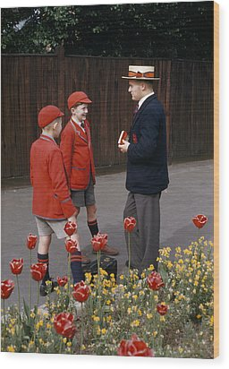 Schoolboys Chat With A Master At Kings Wood Print by Franc Shor