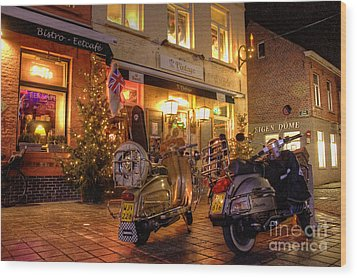 Scooters At The Bistro Wood Print by Rob Hawkins