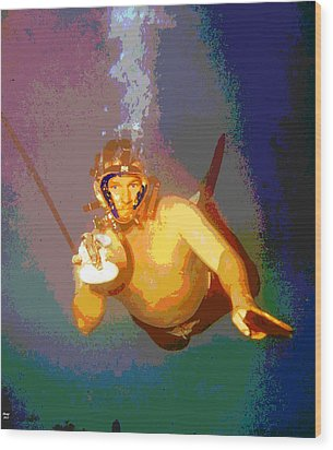 Scuba Diver Wood Print by Charles Shoup