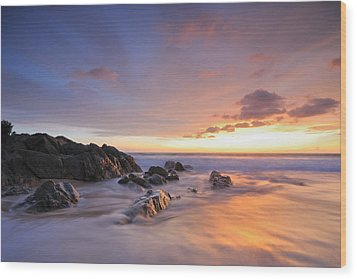 Seascape At Sunset Wood Print by Teerapat Pattanasoponpong