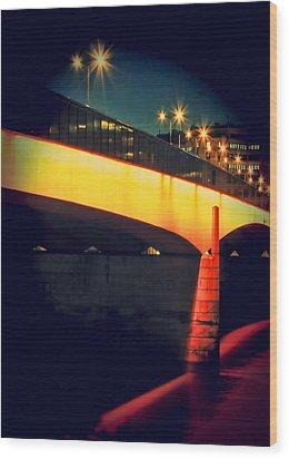 Secrets Of London Bridge Wood Print by Jasna Buncic