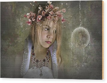 Seeing Fairies Wood Print by Ethiriel  Photography