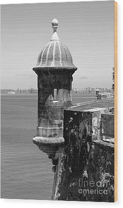 Sentry Tower Castillo San Felipe Del Morro Fortress San Juan Puerto Rico Black And White Wood Print by Shawn O'Brien