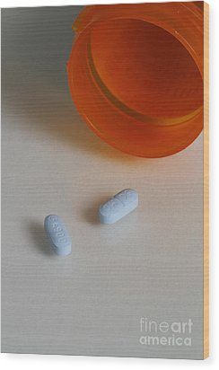 Sertraline Hydrochloride Tablets Wood Print by Photo Researchers, Inc.