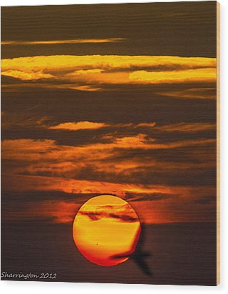 Setting Sun Flyby Wood Print