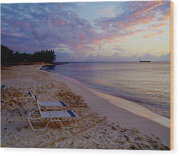 Seven Mile Beach Sunset Wood Print by Carey Chen