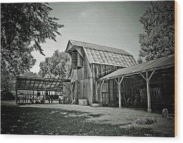 Shiloh Barn Wood Print by Toni Hopper