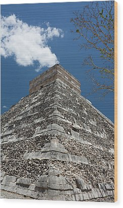 Side View Of Chichen Itza Pyramid Wood Print by L. Bressand