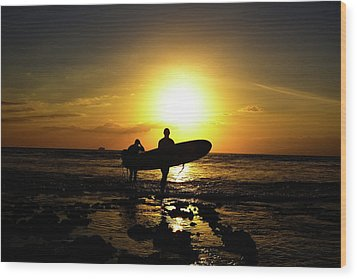 Silhouette Surfers Wood Print by Rolfo