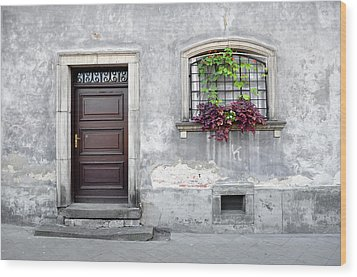 Simple Old House Facade. Wood Print by Fernando Barozza