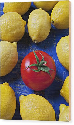 Single Tomato With Lemons Wood Print by Garry Gay