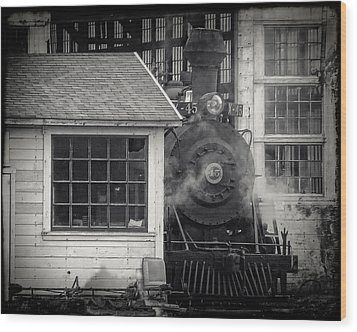 Wood Print featuring the photograph Skunk Trains Cabin by William Havle