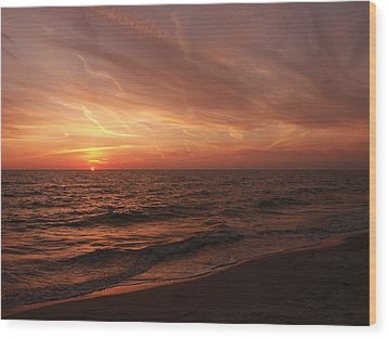 Wood Print featuring the photograph Sky Lines by Bill Lucas