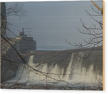 Small Dam In Fog Wood Print