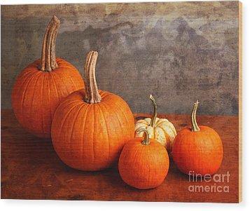 Small Decorative Pumpkins Wood Print