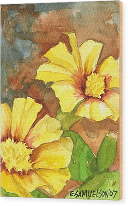 Small Yellow Flowers Wood Print