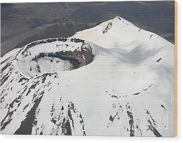 Snow-covered Ngauruhoe Cone, Mount Wood Print by Richard Roscoe