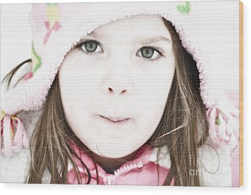 Snowy Innocence Wood Print by Gwyn Newcombe