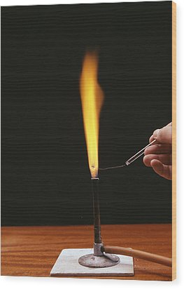 Sodium Flame Test Wood Print by Andrew Lambert Photography