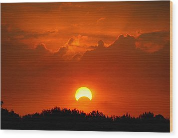 Solar Eclipse Wood Print by Bill Pevlor