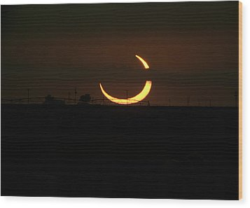 Solar Eclipse In Lubbock Texas Wood Print by Melany Sarafis