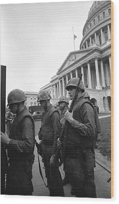 Soldiers Stand Guard Near Us Capitol Wood Print by Everett