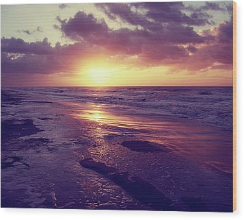 Wood Print featuring the photograph South Carolina Sunrise by Phil Perkins