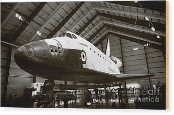 Space Shuttle Endeavour Wood Print by Nina Prommer