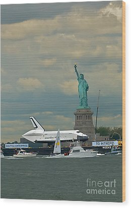 Space Shuttle Enterprise 2 Wood Print by Tom Callan